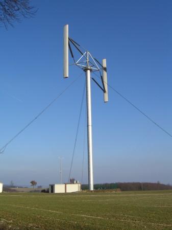 Windenergieanlage mit H-Darrieus Rotor